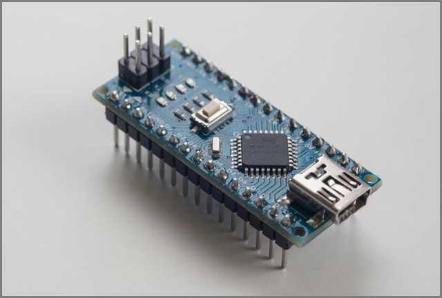 FPGA Vs ไมโครคอนโทรลเลอร์